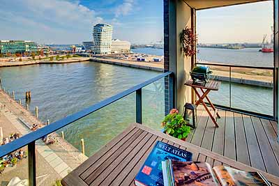 appartement elbsuite blick balkon elbe