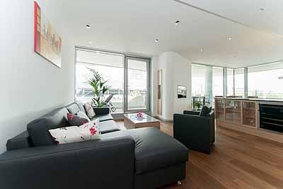 appartement mpolo raumansicht wohnbereich hell luxus