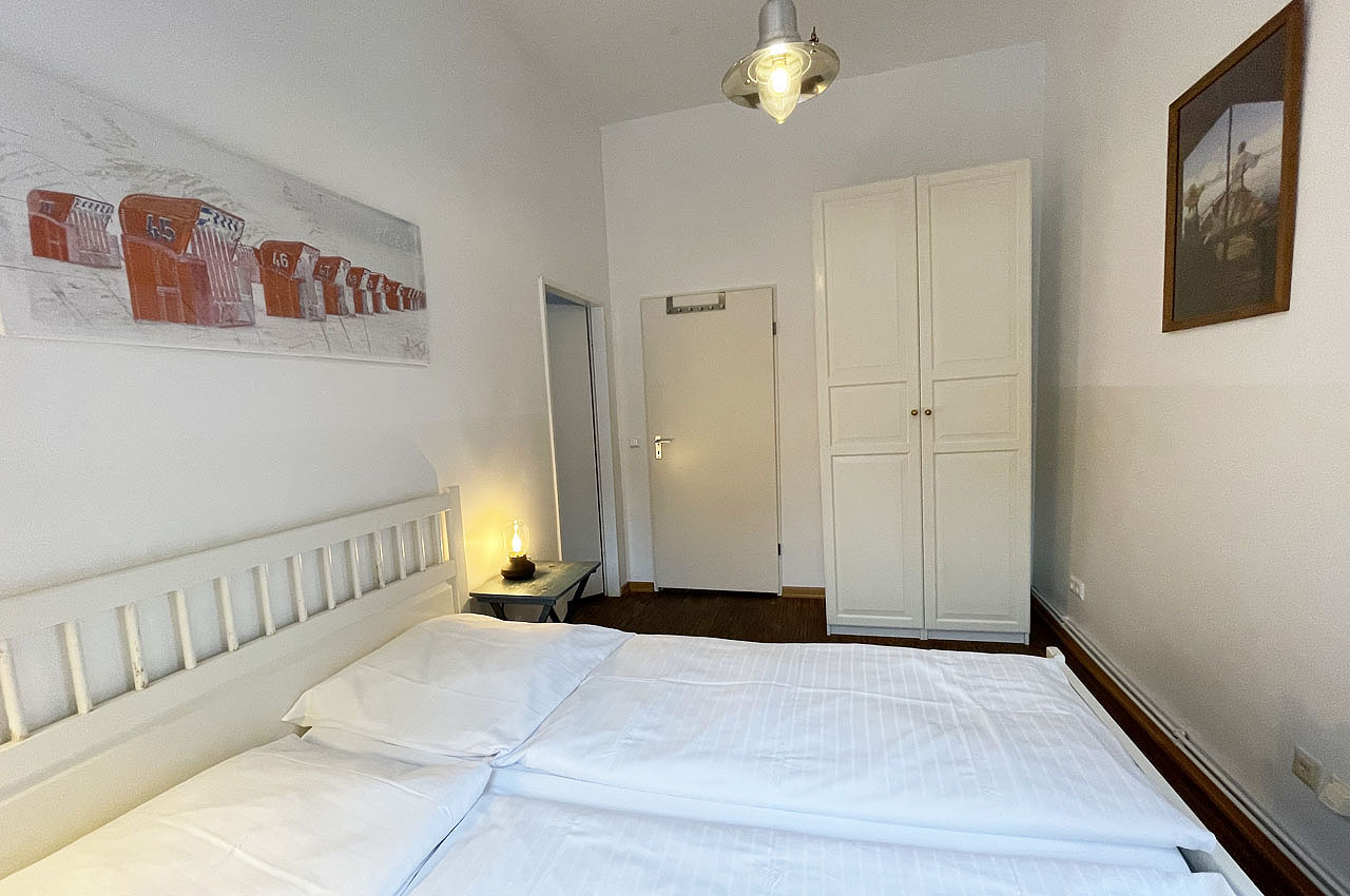 appartement koje doppelbett schrank2