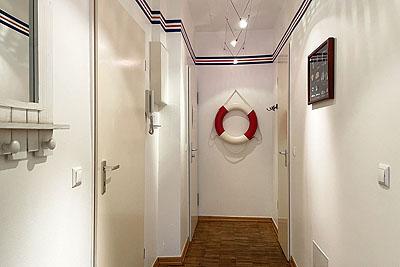 appartement koje flur rettungsring garderobe