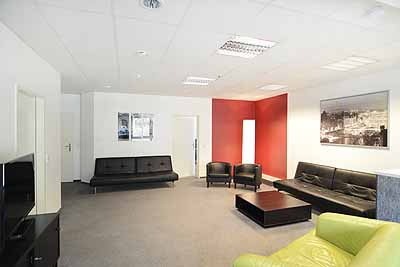 appartement 10friends wohnzimmer aufenthaltsraum sofa