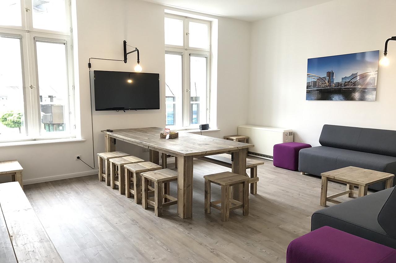 appartement 8erdeck wohnzimmer grosser led tv