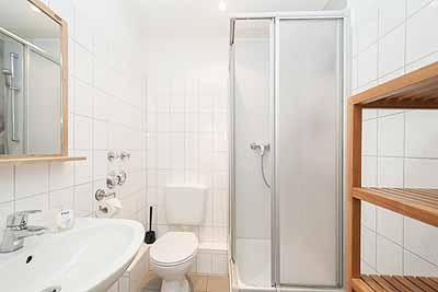 appartement city14 bad duschkabine waschbecken