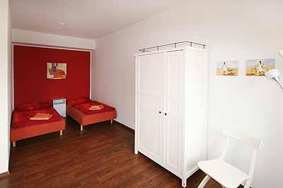 appartement city14 einzelbetten schraenke