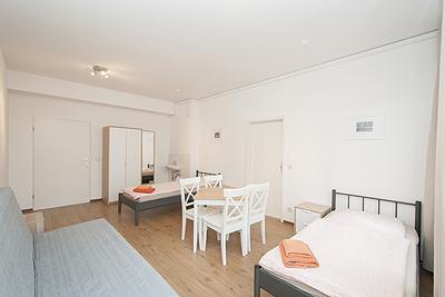appartement city14 zimmer3 schlafsofa tisch