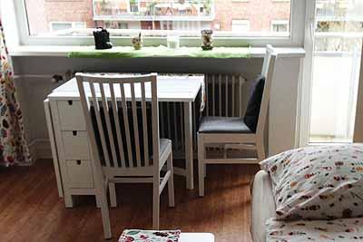 appartement klaus schreibtisch balkon